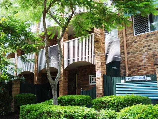 Sought after complex in New Farm with a pool