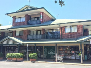 View profile: Large, modern 1 bedroom with air-con and balcony $300 p/w