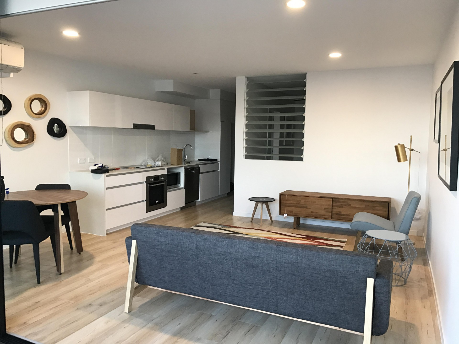 Lovely furnished unit in near new complex