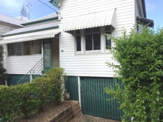 View profile: Great Queenslander in prime location $420 P/W