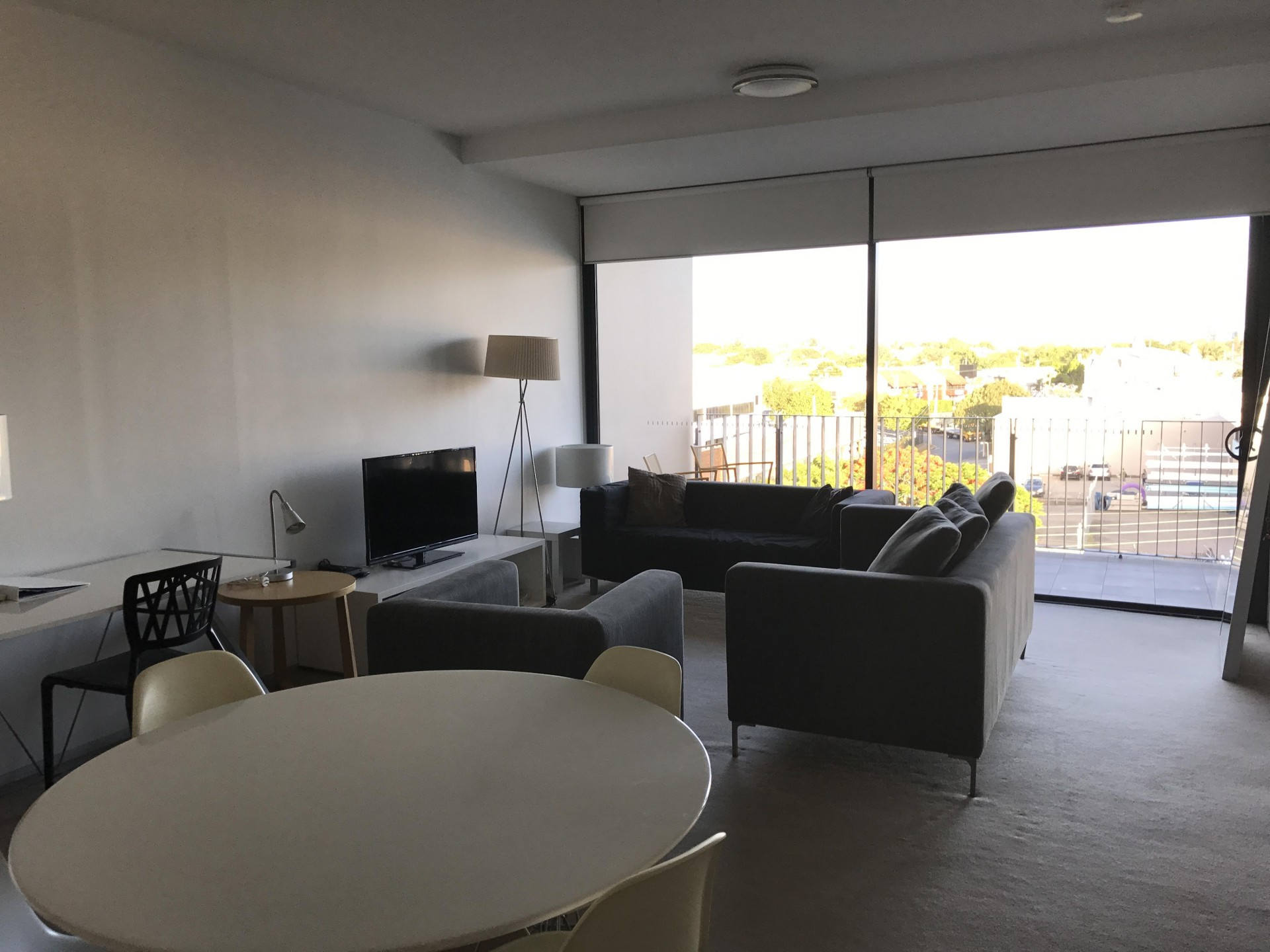 Spacious 2 bedroom unit, furnished and ready to move in