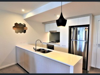 View profile: Modern unit, study nook and excellent location