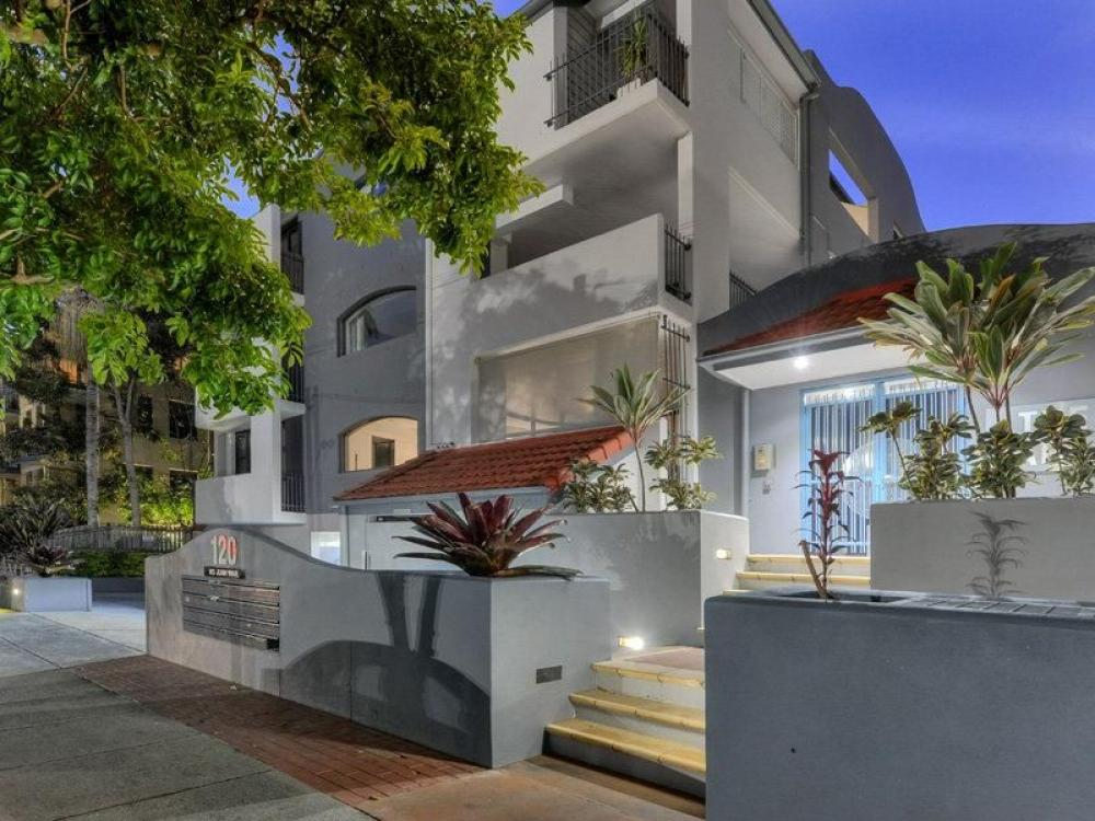 Stunning parkside living in sought after location