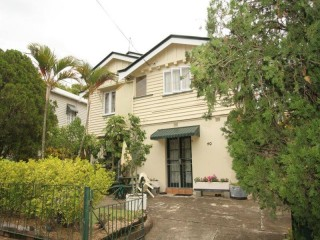 View profile: Large Queenslander Style 1 Bedroom Flat $300 p/w