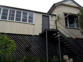 View profile: High set three bedroom home on huge block