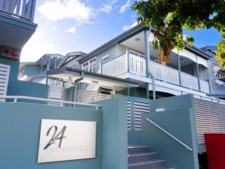 View profile: Modern 2 bedroom, 2 bathroom unit - ground floor**2 weeks free rent**