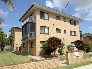 View profile: Furnished 2 bedroom unit - suit medical professionals - $380.00pw