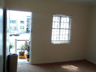 View profile: 2 bed unit in fantastic location