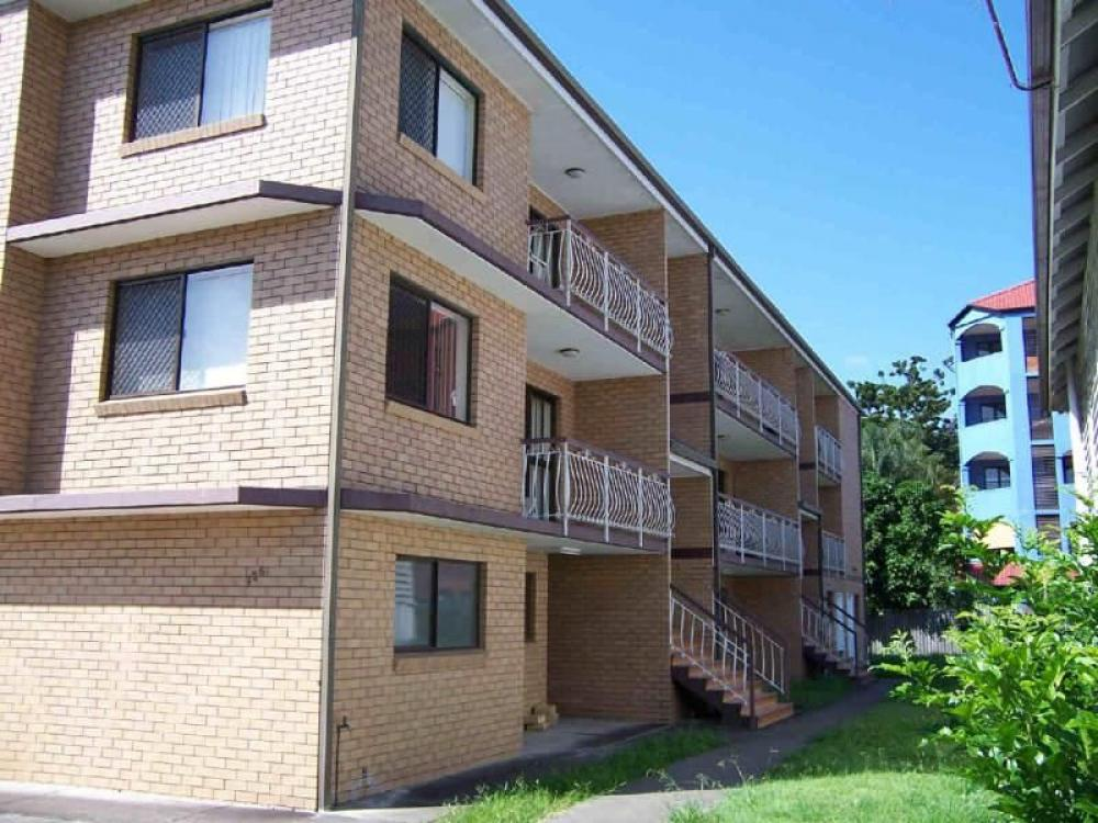 Very Large Second Floor 2 bedroom with 2 Balconies and Lock-up Garage