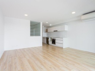 View profile: 1 bedroom plus study with great outlook