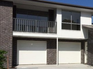 View profile: Modern 2 bedroom unit with air $270 p/w