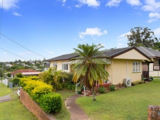View profile: Great views 3 bed house $450 p/w
