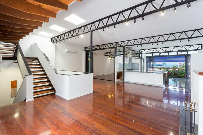 Unique Warehouse living - doorstep to new Fortitude Valley high rise school