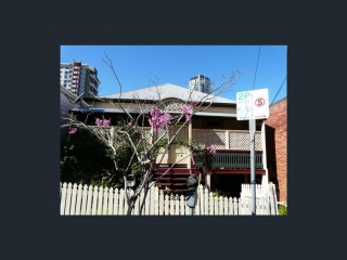 View profile: 3 Bedrooms Inner City - $500 per week